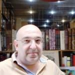 Sahaf kitap, işte bu blog bir yaşında! Etkinlik ilerledikçe bir de 'kitap aşkı' diye bir tanım ortaya çıktı. Turkuaz'da Nedret Bey ve Püzant Bey...